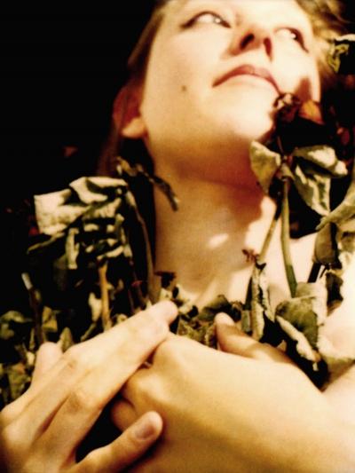 Lique Schoot, Self-portrait with Flowers I