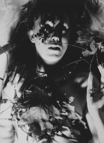Lique Schoot, Self-portrait with Leaves